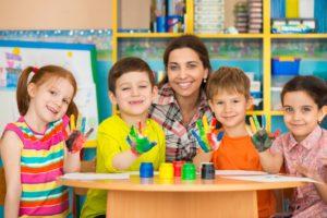 Teaching kids finger painting